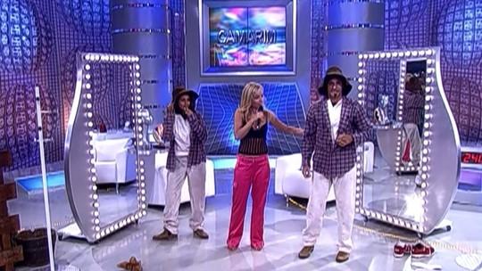 Taís Araujo e Tuca Andrada contracenaram com uma vaca no palco do 'Vídeo Game', relembre!