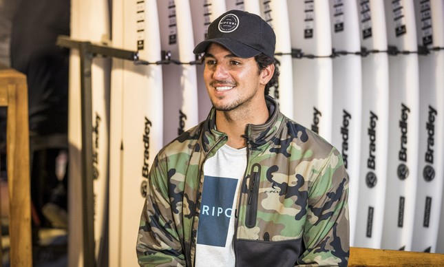O surfista Gabriel Medina