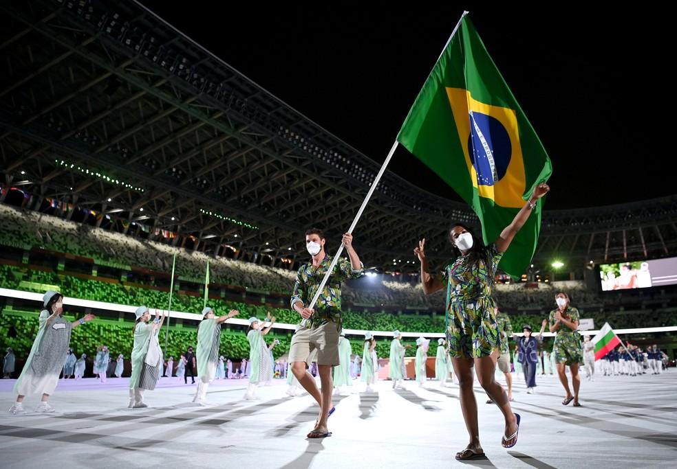 Bruninho e Ketleyn, porta-bandeiras do Brasil em Tóquio 2020 — Foto: Matthias Hangst/Getty Images
