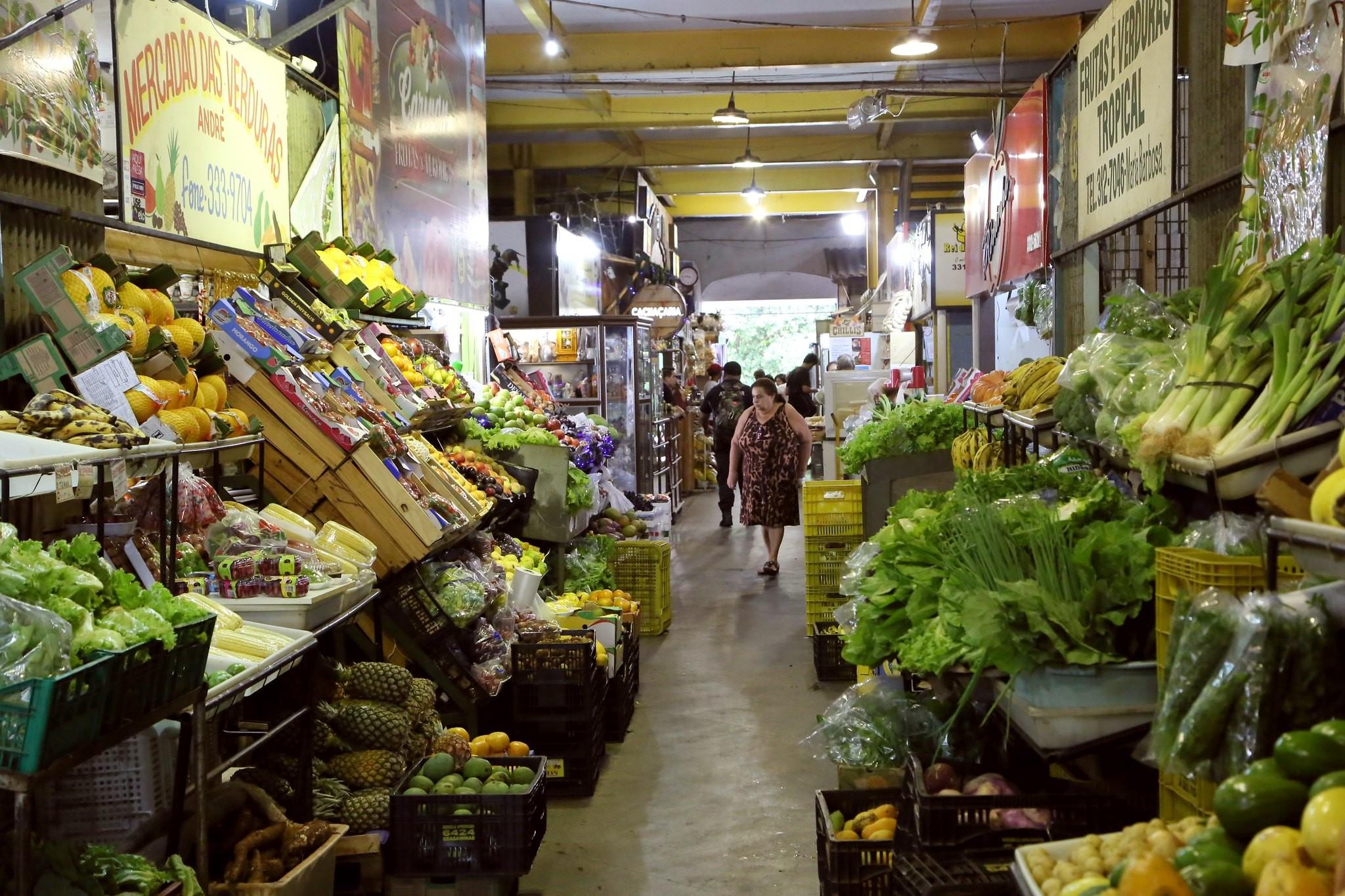 Com maior oferta e menor consumo, preços das hortaliças caem, diz Conab