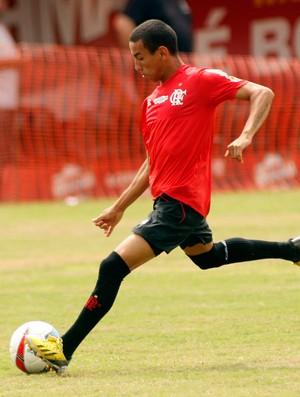 Dorival Júnior faz alerta aos garotos do Flamengo e combate oba-oba
