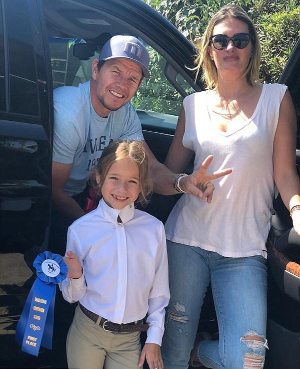 Mark Wahlberg, Rhea Durham e Grace (Foto: Instagram)