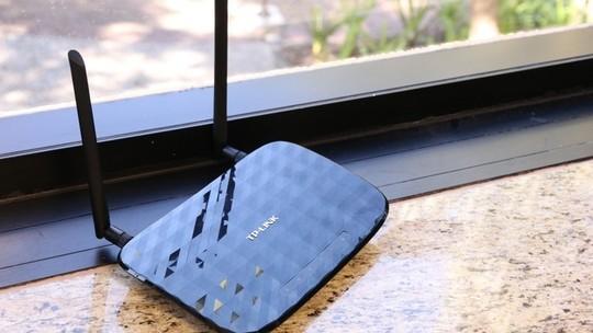 Foto: (Design de TP-Link e D-Link se mostra eficiente: aparelhos discretos e fáceis de entender (Foto: Luciana Maline/TechTudo))