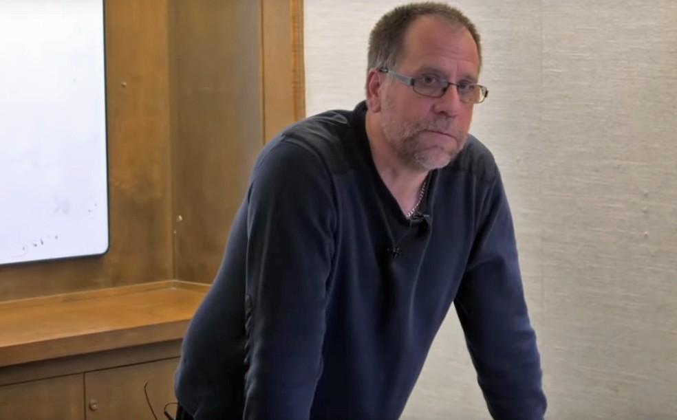 O professor da Universidade de Toronto John Vervaeke, que tem a série no YouTube 'O Despertar da Crise do Significado' — Foto: Divulgação