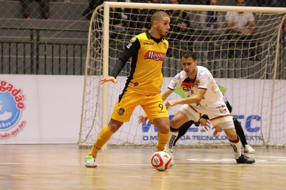 Sorocaba venceu o Blumenau fora de casa pela LNF — Foto: Guilherme Mansueto/Magnus Futsal
