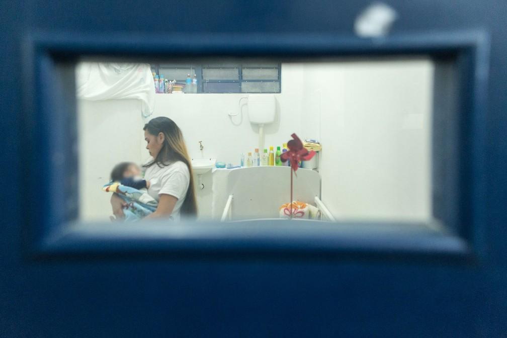 Desde a decisão do STF em 2018, 3,5 mil mulheres grávidas ou com filhos pequenos conseguiram deixar a prisão — Foto: Celso Tavares/G1
