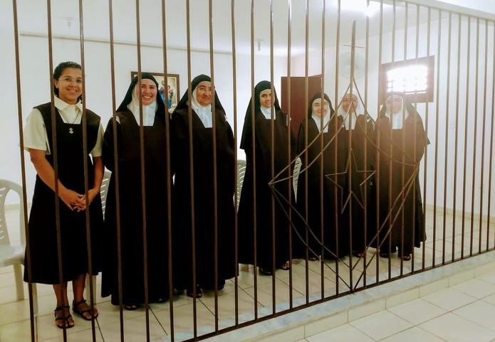 Resultado de imagem para carmelitas enclausuradas