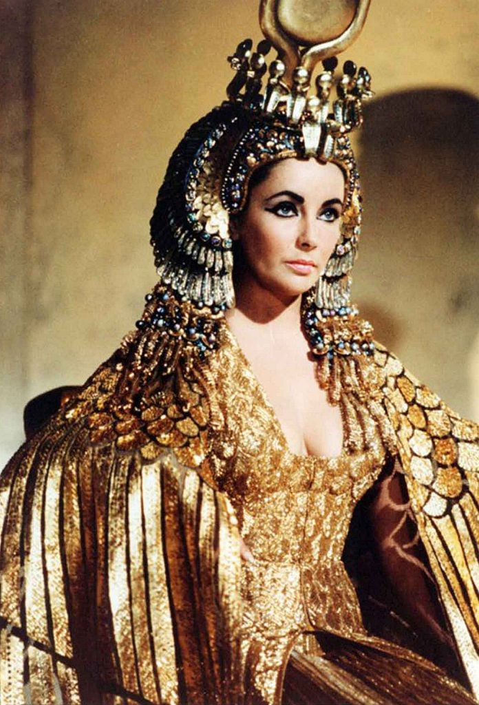 Elizabeth Taylor em Cleopatra, de 1963 (Foto: Universal History Archive/Universal Images Group via Getty Images)
