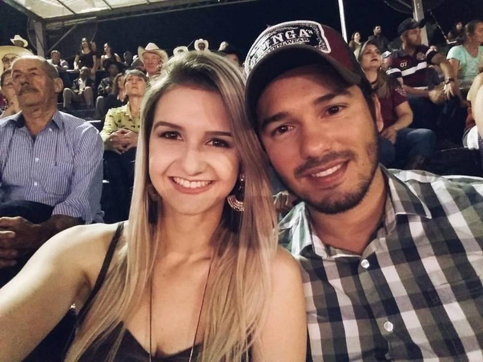 Kelly e namorado Marcos namoravam há cerca de dois anos (Foto: Macos Antônio da Silva/Reprodução/Facebook)
