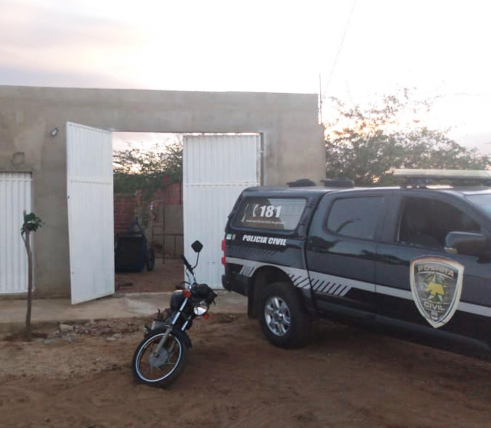 Resultado de imagem para HOMENS ARMADOS INVADEM CASAS E MATAM QUATRO NO LITORAL NORTE POTIGUAR