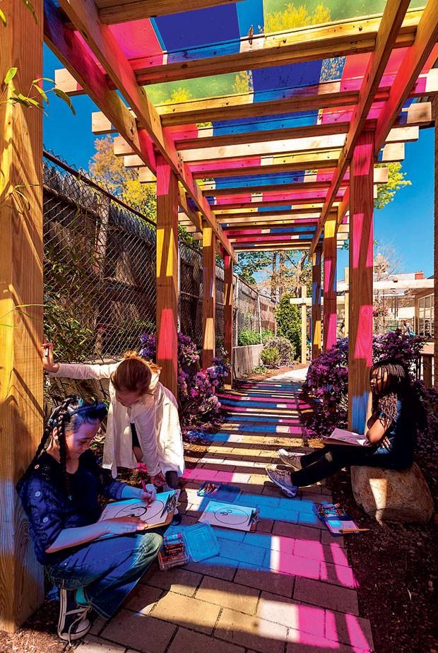 Os pátios das escolas públicas de Boston (EUA) estimulam  a criatividade. (Foto: Divulgação)