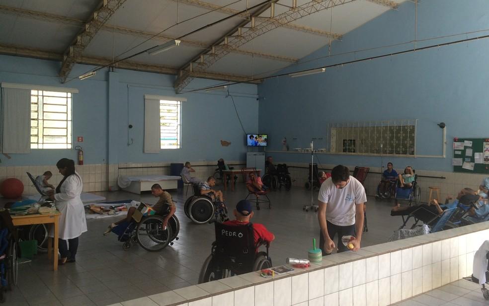 Vila São Cottolengo abriga 365 pessoas com deficiência em Trindade (Foto: Vitor Santana/G1)