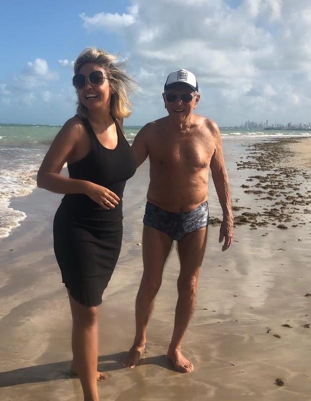 Carlos Alberto de Nóbrega e Renata Domingues (Foto: Reprodução/Instagram)