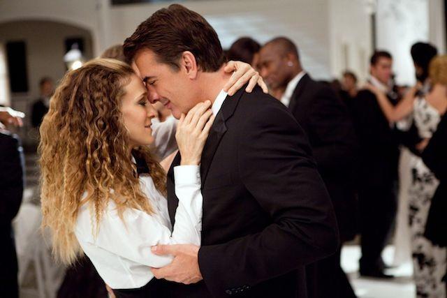 Carrie Bradshaw e Mr. Big se casam no fim de Sex and the City 1 (Foto: Divulgação)