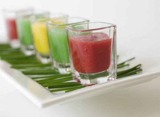 Limão, pimenta, cúrcuma e gengibre são alguns dos ingredientes mais utilizados (Foto: Be Pure/Reprodução)