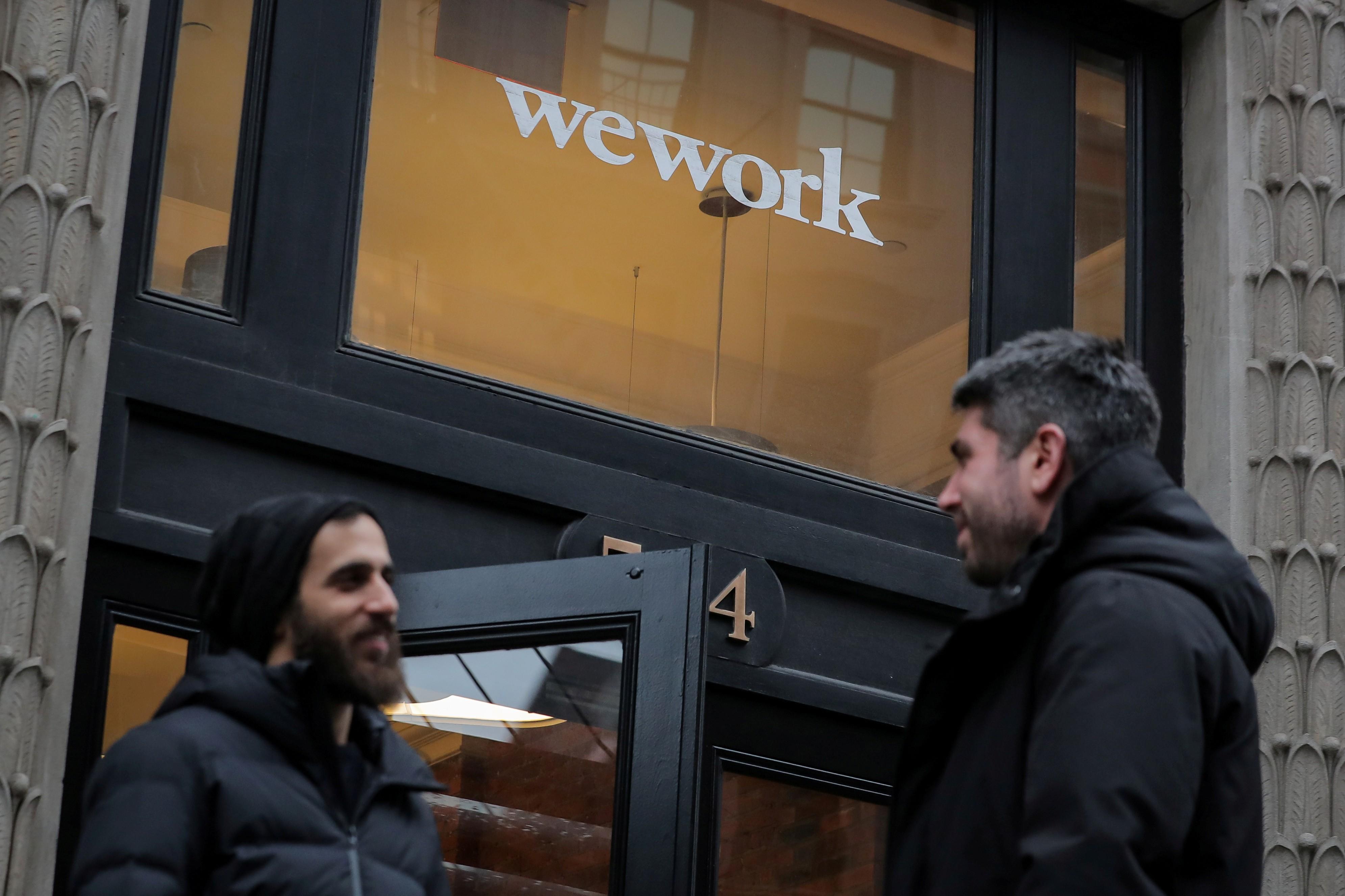 Dona da WeWork adia IPO após resposta fria de investidores - Notícias - Plantão Diário