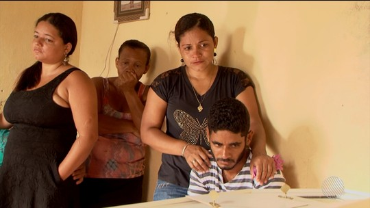 'Vi meu filho caído', relata pai de criança indígena morta na porta de casa no sul da Bahia