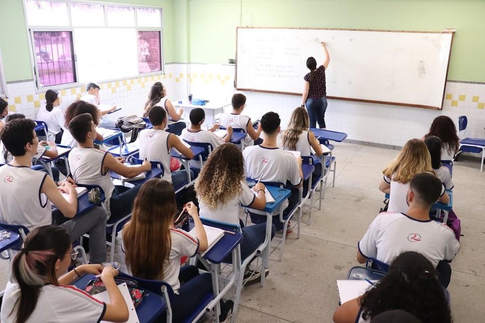 Processo seletivo está aberto para professores de cursos técnicos no ES — Foto: Reprodução/TV Gazeta