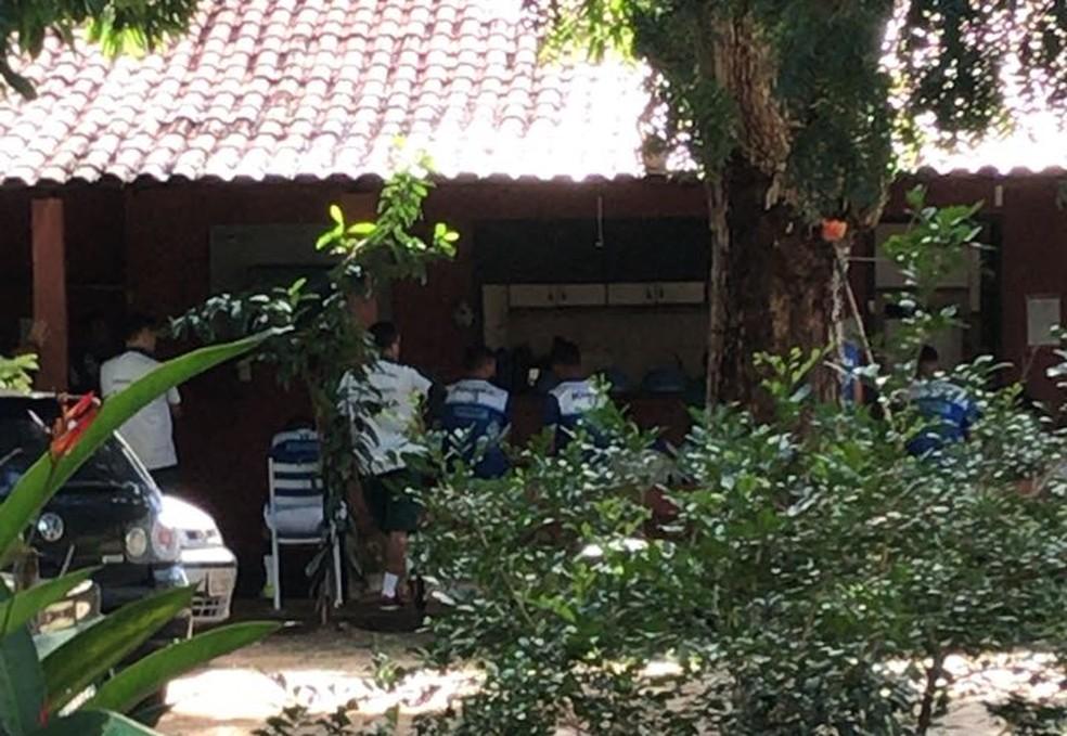 Reunião em sede do Altos (Foto: Marcos Prado / TV Clube)