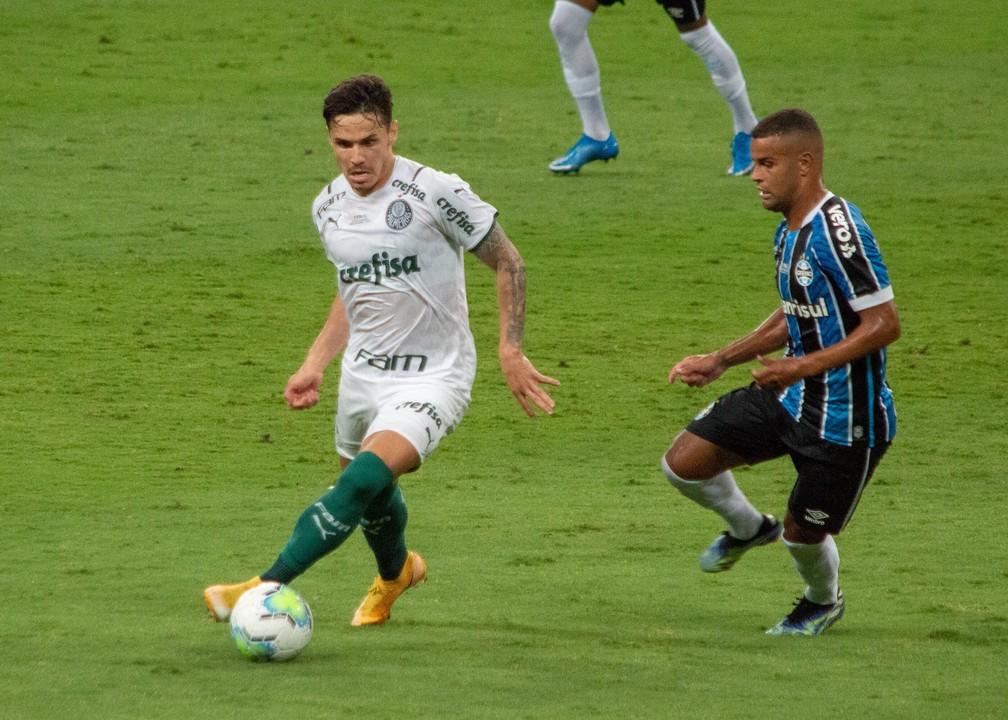 """Veiga exalta vantagem do Palmeiras: """"Estamos levando um resultado importante"""""""