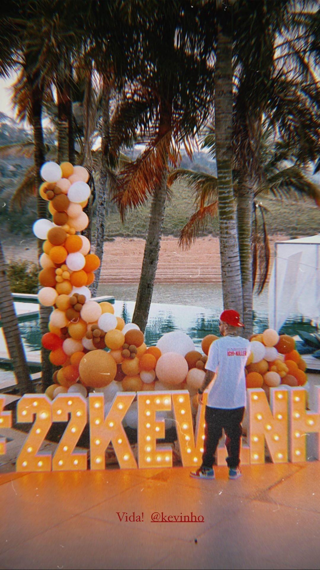 Kevinho ganha festa surpresa pelos 22 anos (Foto: Reprodução/Instagram)
