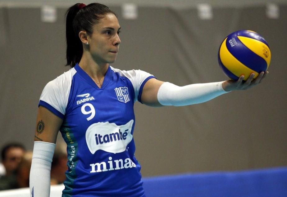 Com pequeno tumor no coração, Bruna Honório deixa os treinos da seleção brasileira de vôlei