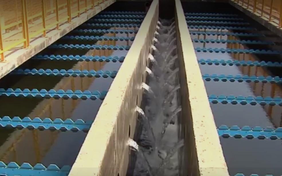 Governo decreta situação de emergência e anuncia medidas para tentar evitar crise hídrica (Foto: TV Anhanguera/Reprodução)