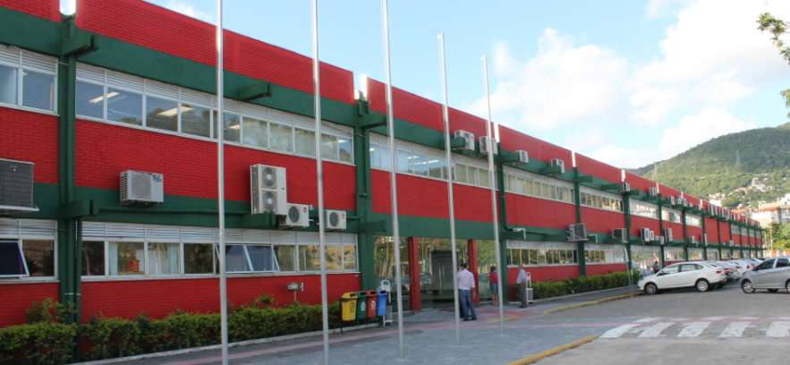 Udesc abre 11 vagas para professores substitutos em cinco municípios de SC