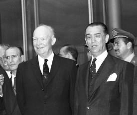 Dwight Eisenhower e Juscelino Kubitschek no Palácio do Planalto, em fevereiro de 1960