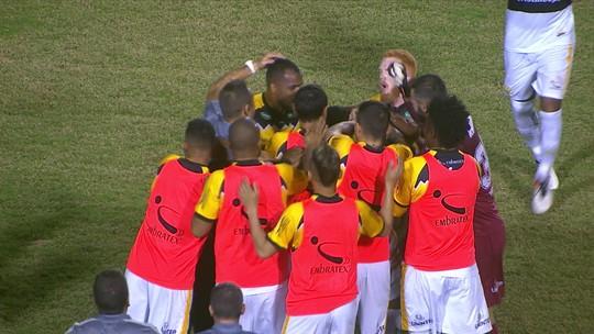 Com sete mudanças, Londrina vai ao ataque, mas não evita empate com o Criciúma; veja as notas