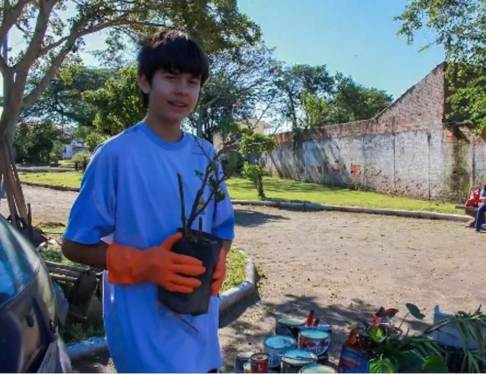Alan criou projeto para revitalizar praças de Tubarão (Foto: Isabelle Zabot/Arquivo Pessoal)