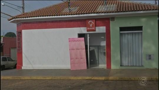 Criminosos explodem caixas automáticos de agência bancária em Arandu