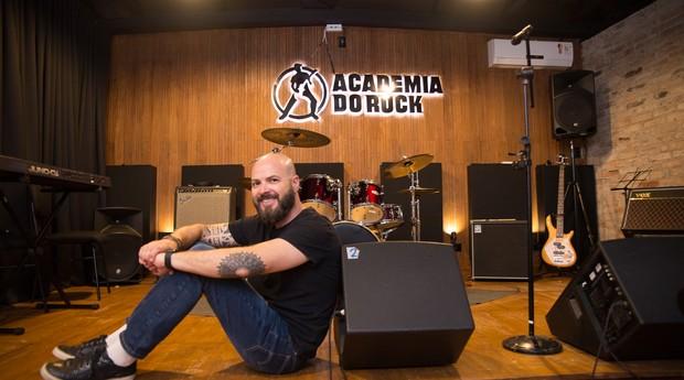 A Academia do Rock organiza festivais de música entre os alunos (Foto: Divulgação)