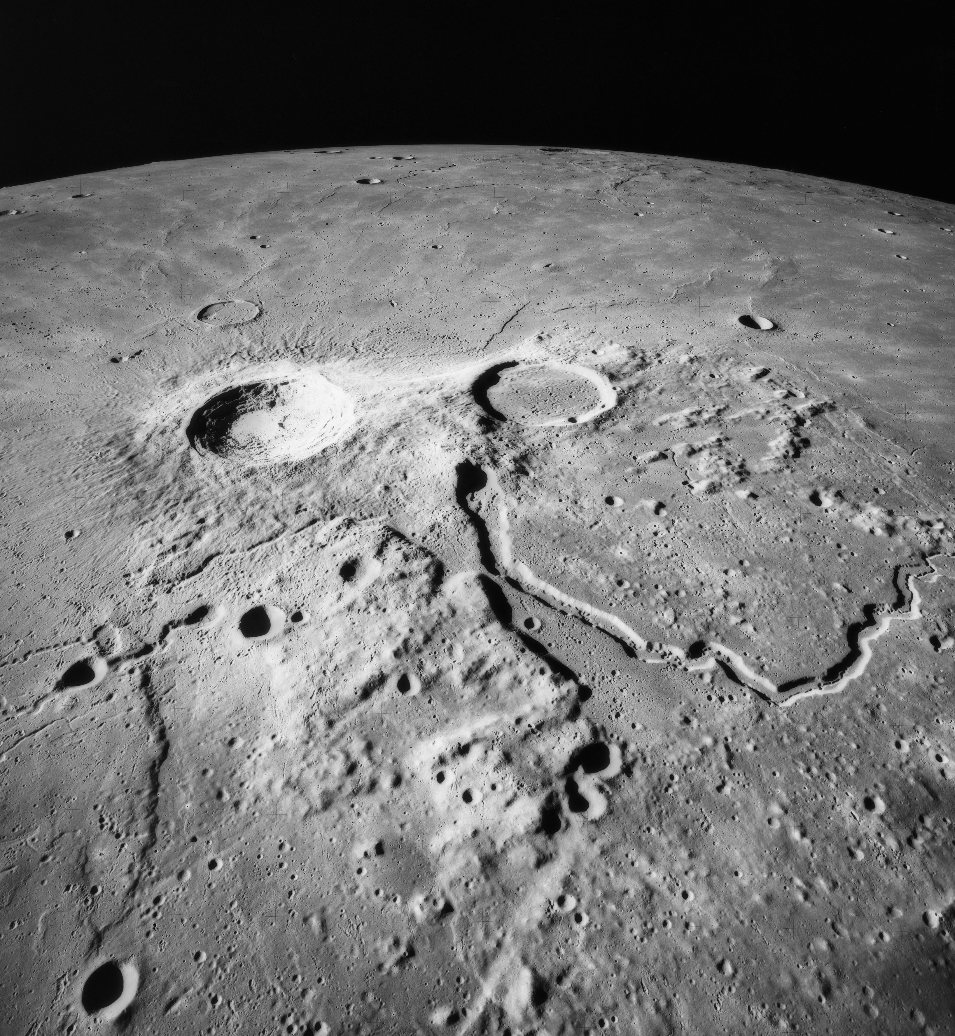 Cratera da Lua chamada Aristarchus (Foto: domínio público)