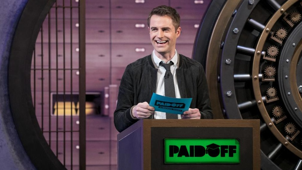 """-  Michael Torpey apresenta o programa """"Paid Off""""  Foto: Divulgação/Turner Broadcasting"""