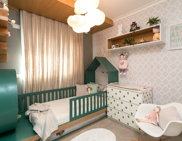 Fugindo do rosa: quarto de menina verde e delicado (Foto: Adriana Barbosa)
