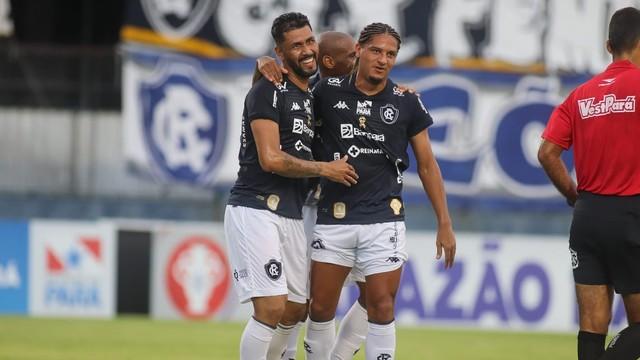 Marlon marcou o segundo gol do Remo na partida, que garantiu a vitória