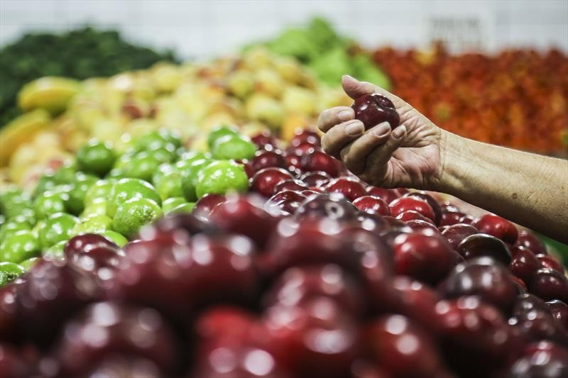 Prefeitura de Ponta Grossa abre cadastro para vale-mercado de R$ 150; veja quem pode receber auxílio
