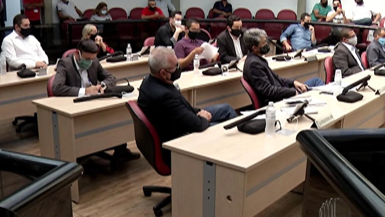 Câmara de Arujá faz sessão para votar relatório de comissão processante
