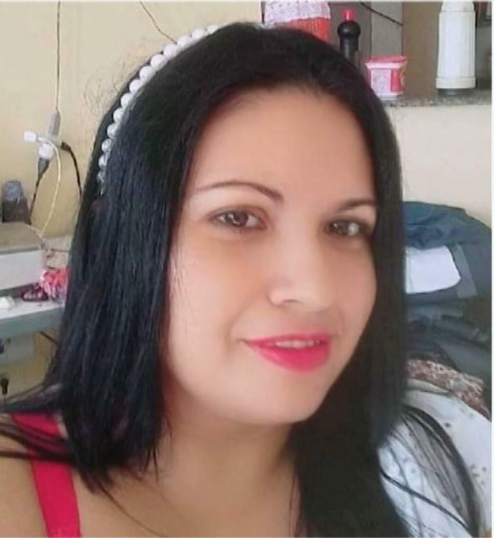 Mulher foi morta a facadas e ex-companheiro é principal suspeito, em Boqueirão, na Paraíba — Foto: Reprodução/TV Cabo Branco