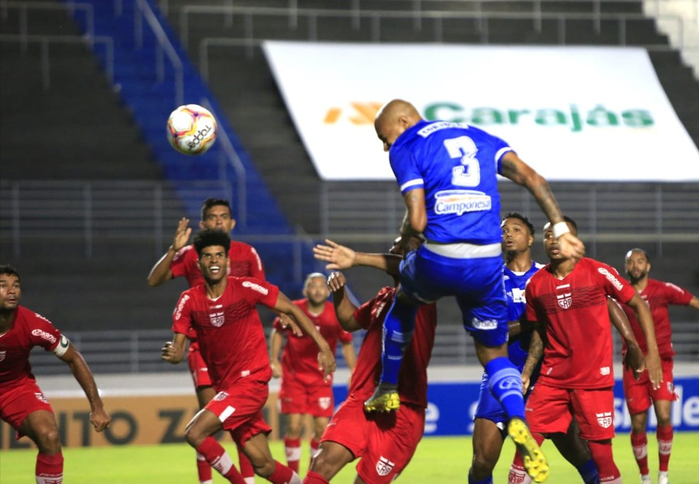Alan Costa marcou o único gol do jogo — Foto: Ailton Cruz/Gazeta de Alagoas