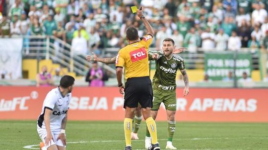 """Cereto critica reclamações do Palmeiras: """"Joga pressão em cima do árbitro para jogo contra o Flamengo"""""""