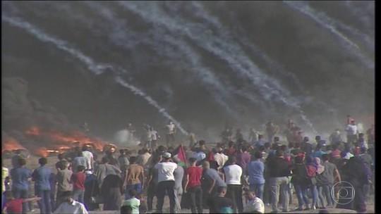 Palestinos morrem atingidos por disparos do Exército de Israel durante protesto na Faixa de Gaza