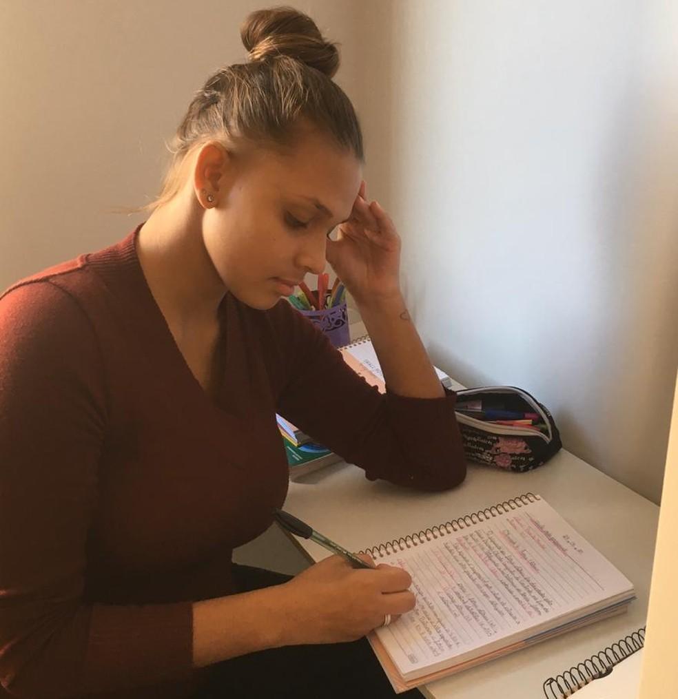 Estudante do maior colégio estadual de SC relata preocupação com colegas que não tem internet — Foto: Priscila Mendes/Arquivo pessoal