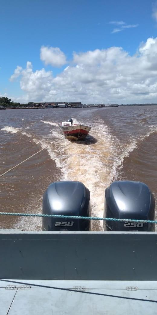 Embarcação utilizada em crimes é apreendida no Porto da Palha, em Belém