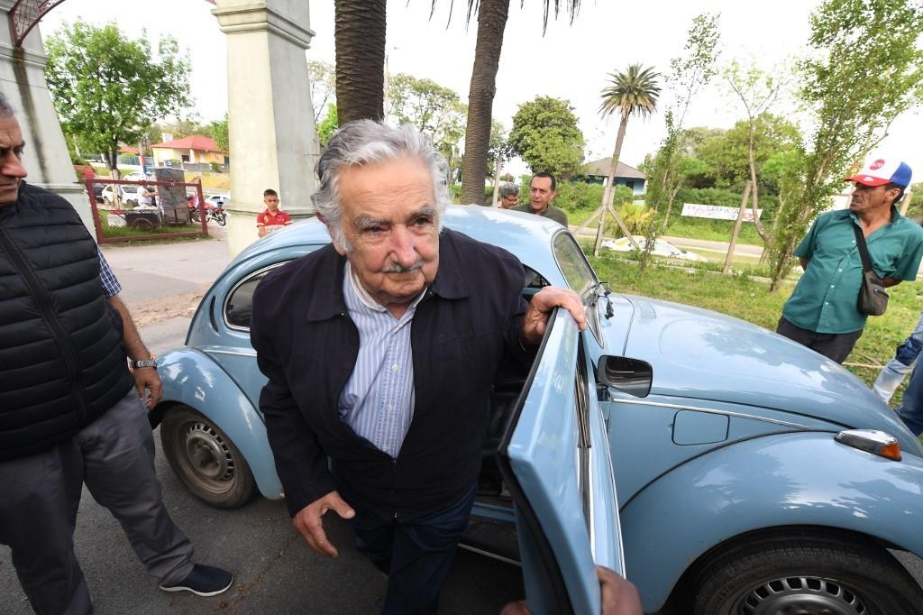 Mujica diz que deve deixar Senado uruguaio em breve: 'A política me encanta, mas a vida me encanta mais'