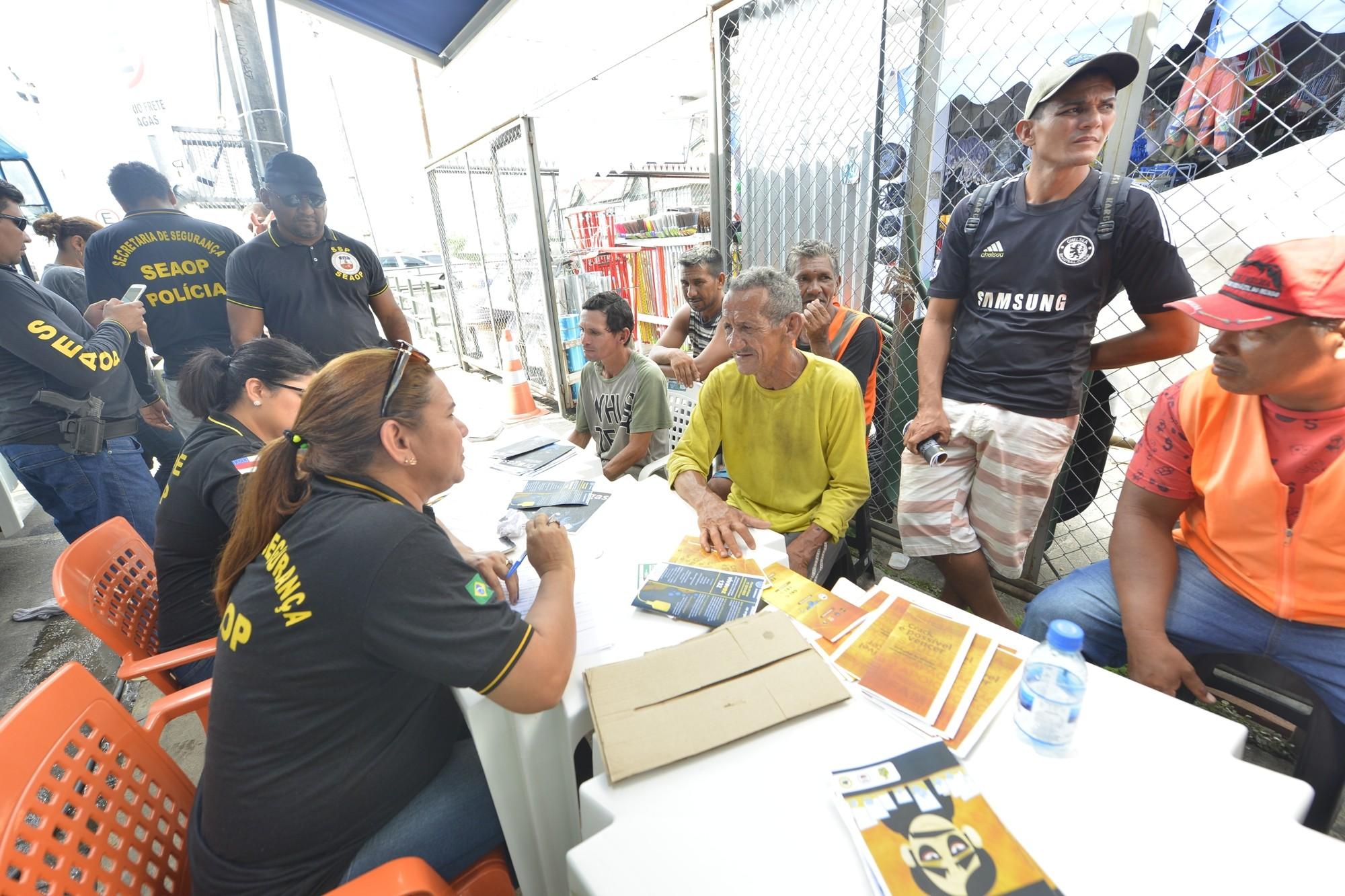 Seis são presos durante operação de segurança na Manaus Moderna