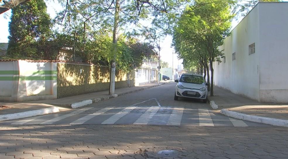 Moradores reclamam da falta de acessibilidade para deficientes em Tatuí (Foto: Reprodução/TV TEM)