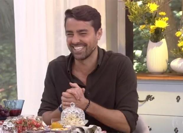 Ricardo Pereira apresenta o Mais Você em clima descontraído (Foto: Reprodução/TV Globo)