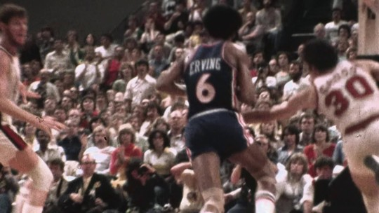 Enterrada Julius Erving
